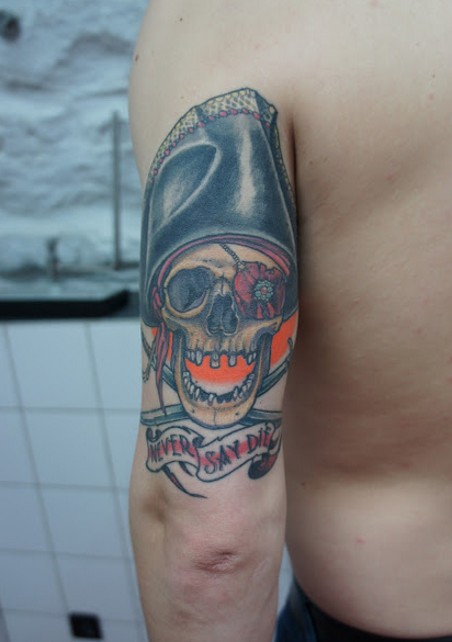 tatoo hand in glove