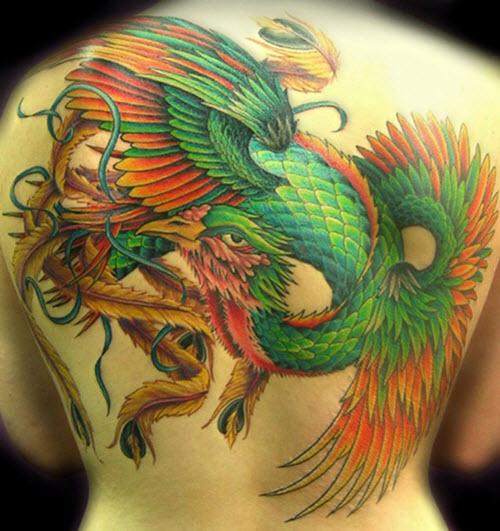 tatouage phoenix haut du dos