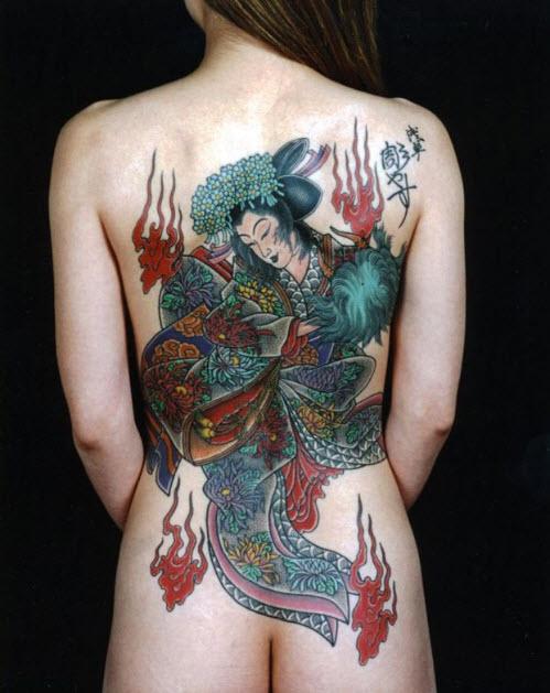tatouage-japonais-corps-femme