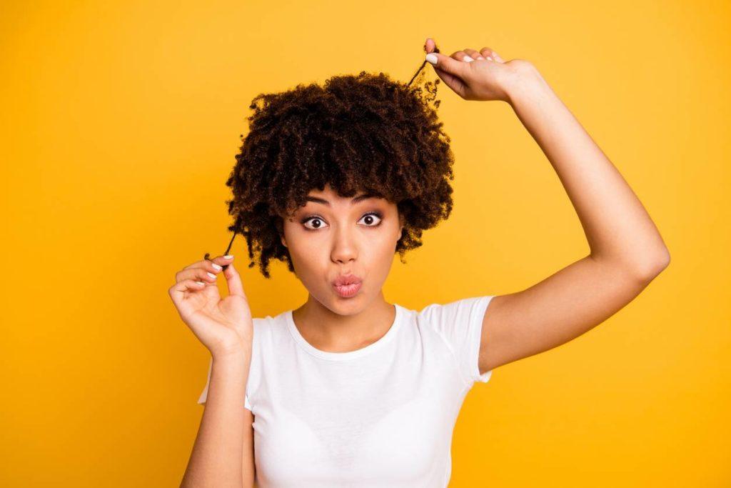 Huile de ricin cheveux crepu
